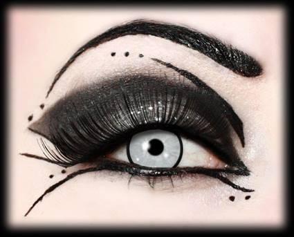 technique maquillage gothique yeux