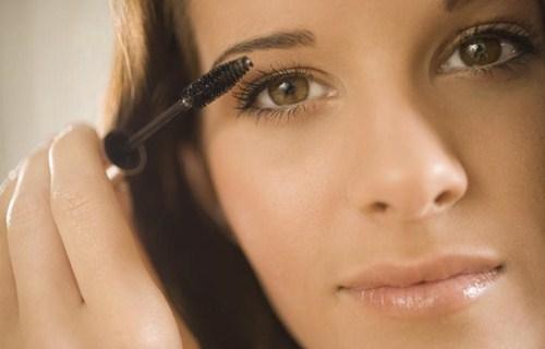 maquillage pour yeux vert discret