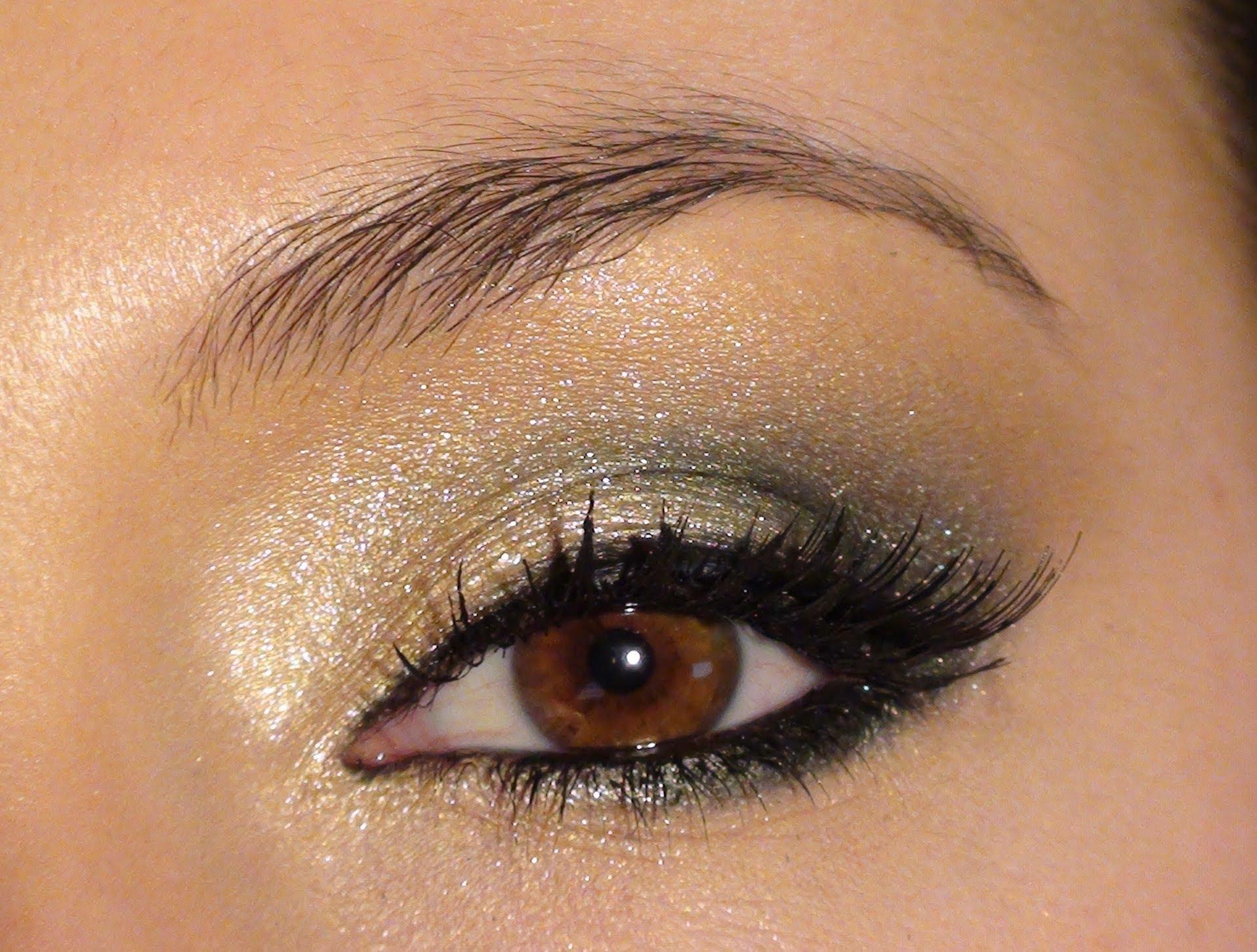 Le maquillage des yeux dor maquillage des yeux - Maquillage naturel yeux vert ...