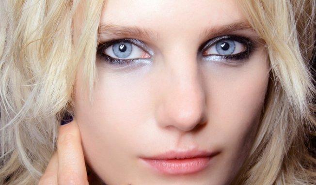 maquillage yeux bleus image maquillage yeux bleus. Black Bedroom Furniture Sets. Home Design Ideas