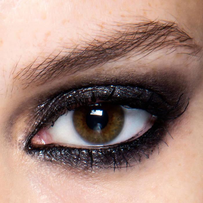 maquillage des yeux soir e maquillage des yeux. Black Bedroom Furniture Sets. Home Design Ideas