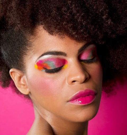 Le maquillage des yeux pour peau noire