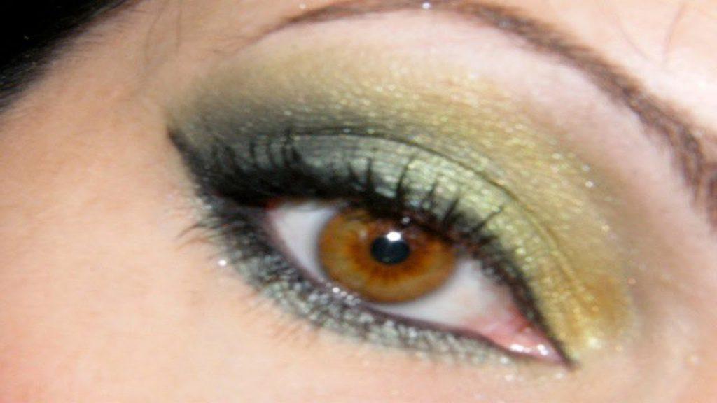 maquillage des yeux noisette vert maquillage des yeux. Black Bedroom Furniture Sets. Home Design Ideas